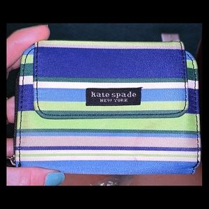 Kate Spade woman's wallet in good condition!!